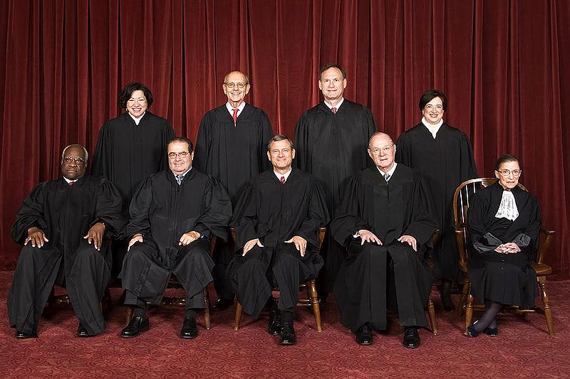 800px-Supreme_Court_US_2010
